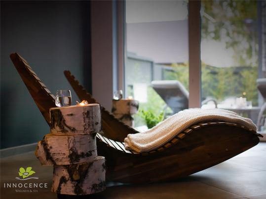 drewniany fotel spa